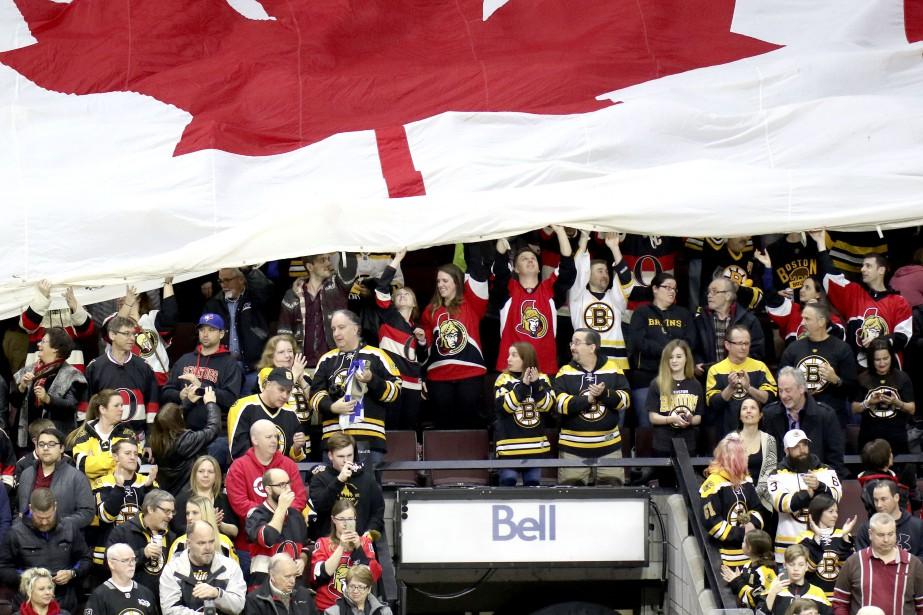Plusieurs partisans des Bruins de Boston. | 6 mars 2017