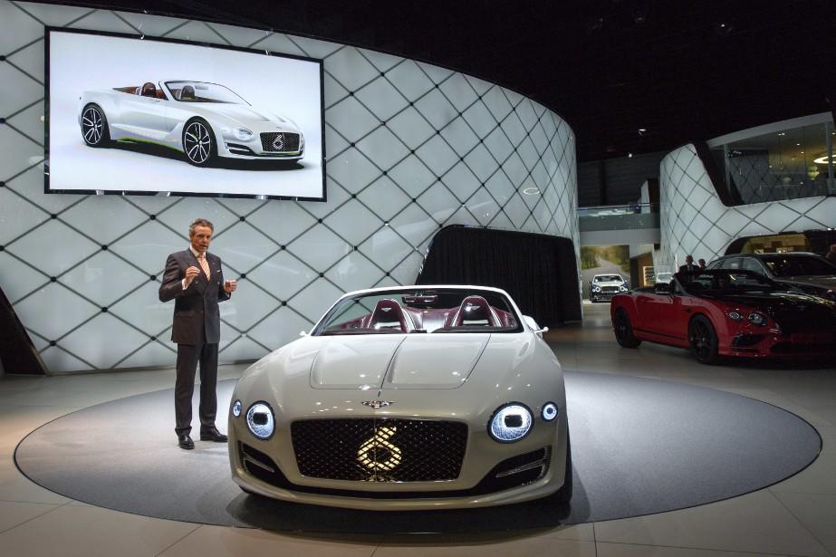 Wolfgang Duerheiner, le patron de Bentley Motors présente la Exp12. (AP)