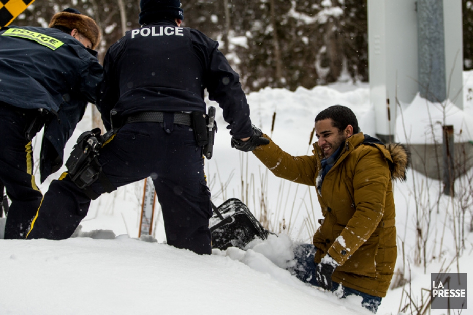 Le nombre dimmigrants illégaux entrant au Canada par... (PHOTO MARTIN TREMBLAY, LA PRESSE)