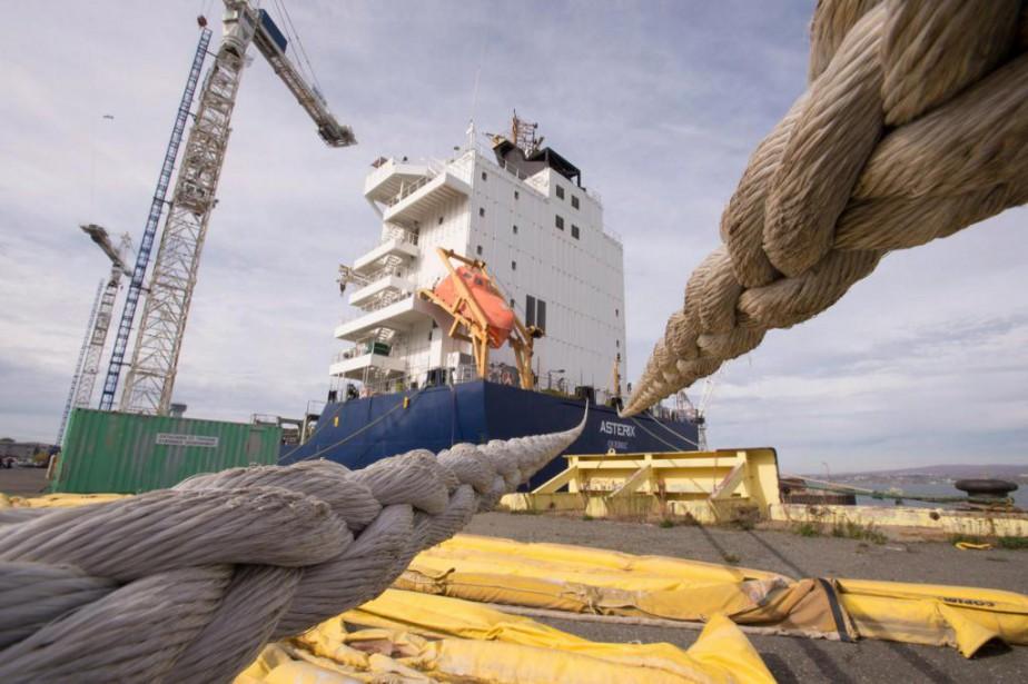 À l'origine, les deux navires devaient être livrés... (photo jacques boissinot, archives la presse canadienne)