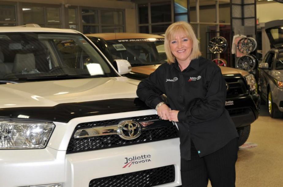Après des études en ressources humaines, Nathalie Aumont a décidé de reprendre le flambeau de l'entreprise familiale, Joliette Toyota. ()