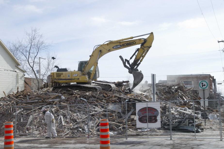 Le mandat de démolition a été confié à l'entreprise Construction démolition GB. | 10 mars 2017