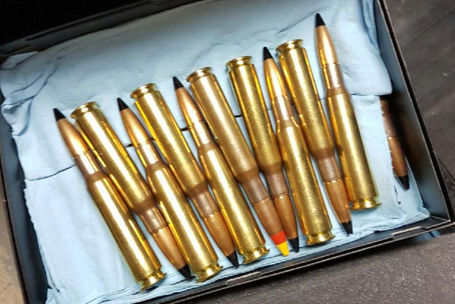 L'arsenal était également composé de munitions de plusieurs... (PHOTO FOURNIE PAR LE SPVM)