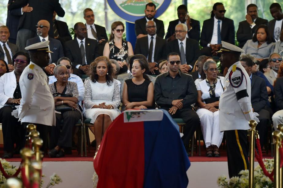 La cérémonie s'est faite en présence des membres... (AFP)