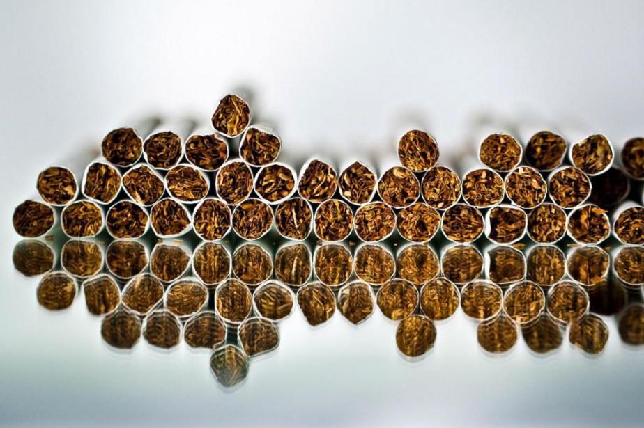 En 2015,115 000 personnes ont commencé à fumer... (ARCHIVES BLOOMBERG)