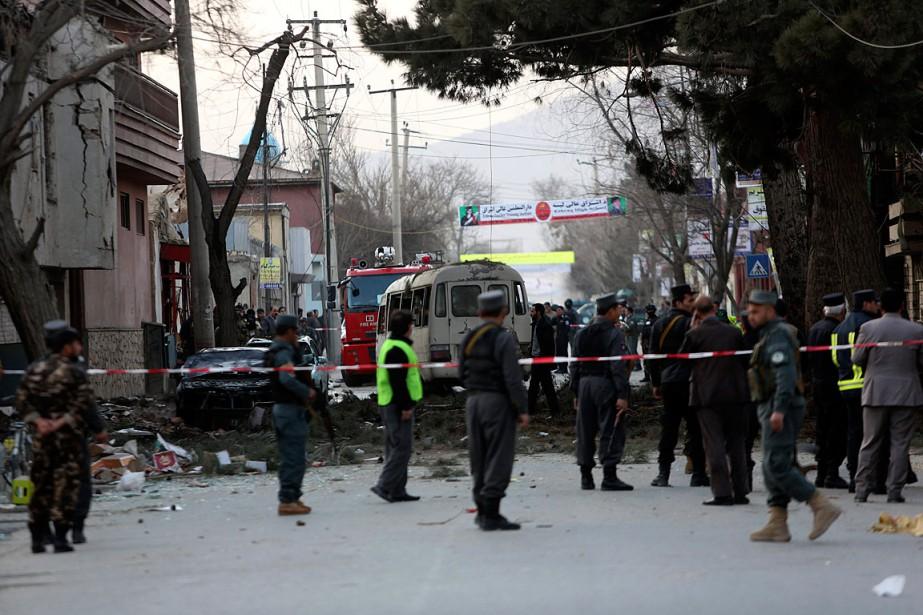 Une explosion visant un autobus a eu lieu... (PHOTO Rahmat Gul, ARCHIVES ASSOCIATED PRESS)