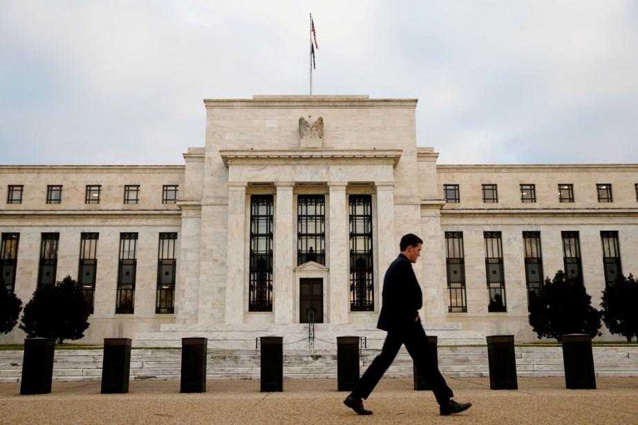 Le potentiel tour de vis de la Fed... (REUTERS)