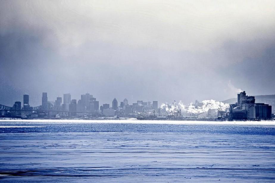 Des échantillons d'eau du robinet de Montréal analysés... (Photo Bernard Brault, La Presse)