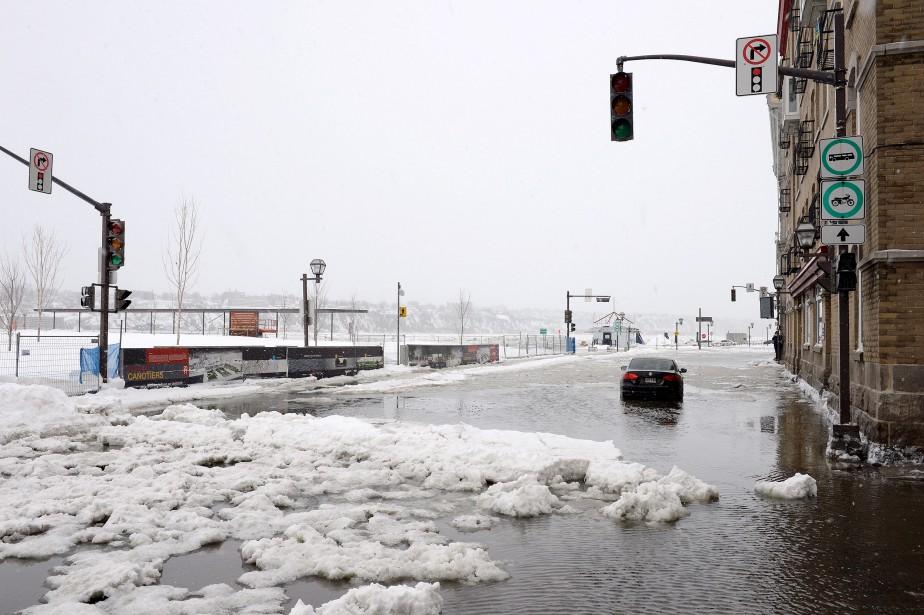 La rue Dalhousie, souvent inondée, a été le théâtre d'un important coup d'eau. | 15 mars 2017