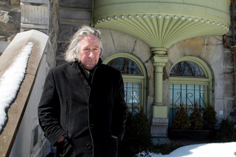 Louis-Bernard Robitaille parle de sa... (PHOTO ALAIN ROBERGE, LA PRESSE)