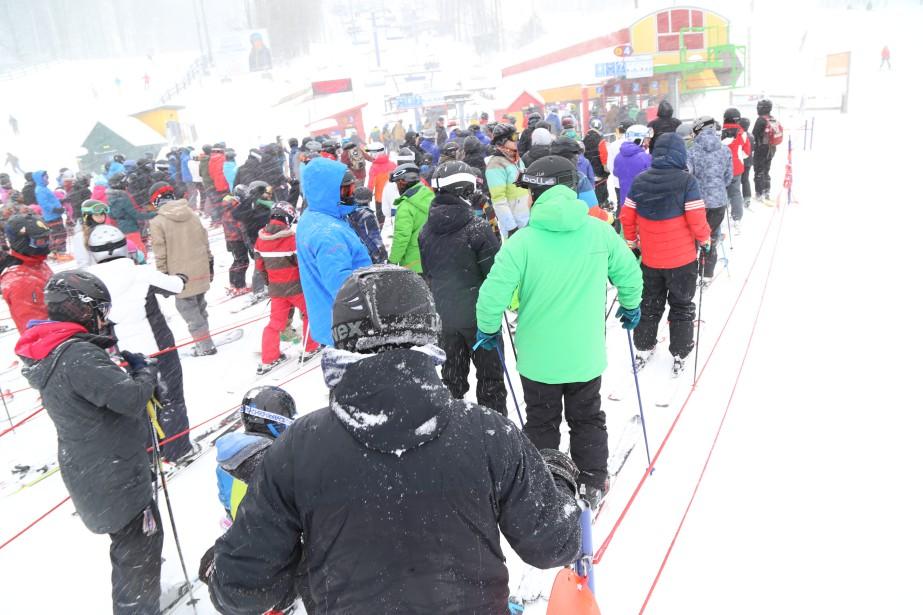 La région s'est recouverte de blanc après le passage de cette tempête monstre, mardi et mercredi, au plus grand plaisir des skieurs et planchistes. | 15 mars 2017