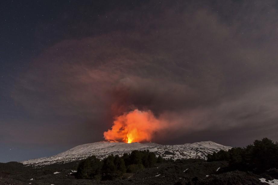Le mont Etna, en Sicile, est le volcan le plus... | 2017-03-16 00:00:00.000