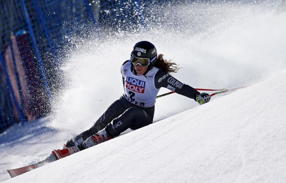 La skieuse française Tiffany Gauthier lors de sa descente à l'épreuve féminine super-G pour la Coupe du Monde de ski alpin, à Aspen, Colorado. | 16 mars 2017