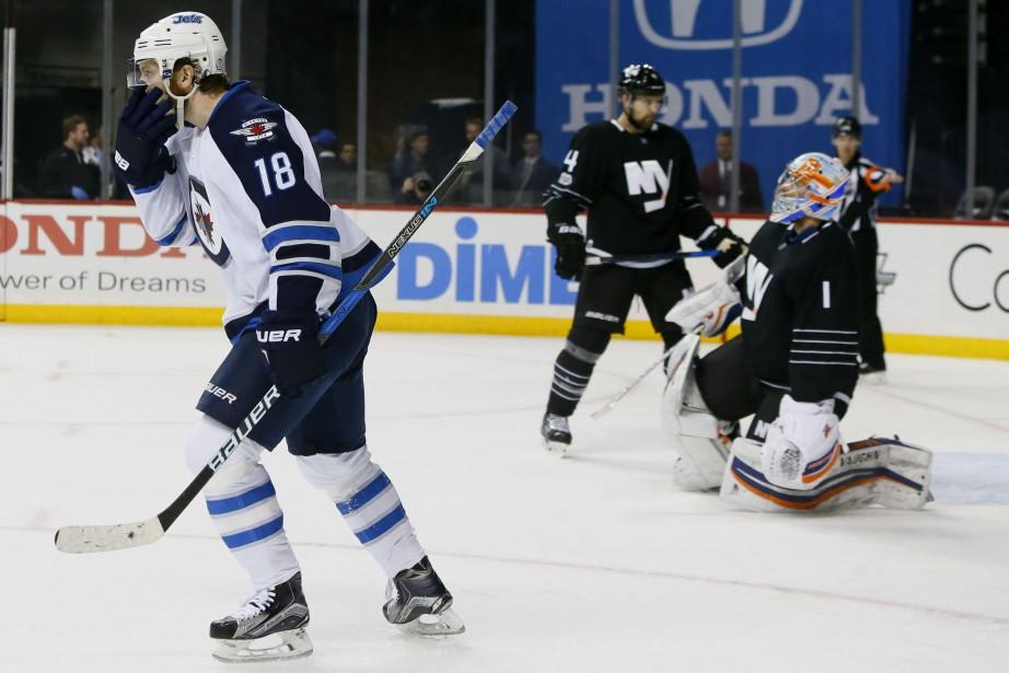 Bryan Little a touché la cible deux fois... (Photo  Noah K. Murray, USA Today Sports)