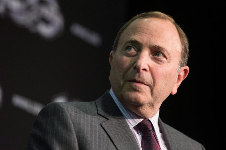 Le 7 mars dernier, Gary Bettman a envoyé... (Photo Chris Young, Archives La Presse canadienne)