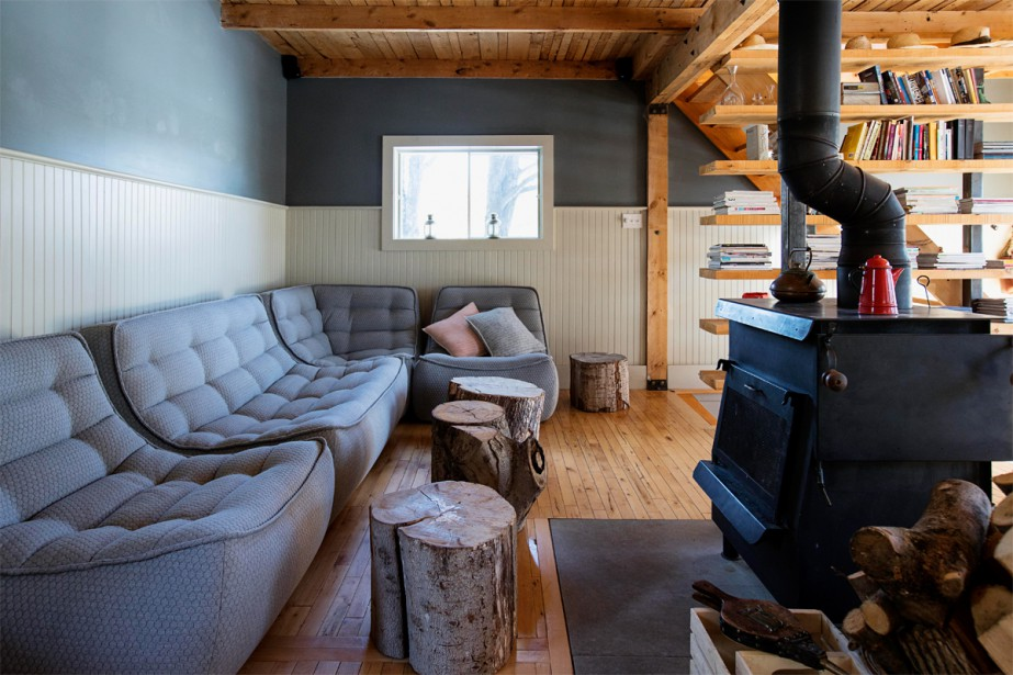 Un salon douillet rempli de sofas confortables | 17 mars 2017
