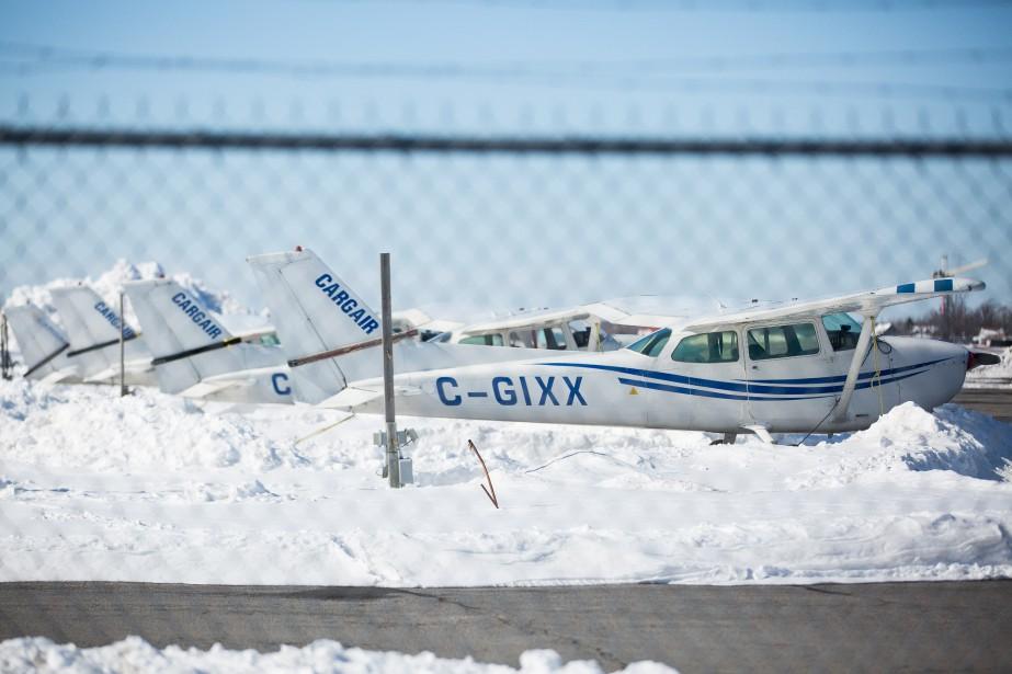 L'école de pilotage Cargair se trouve à proximité du centre commercial, à l'aéroport de Saint-Hubert. (PHOTO SIMON GIROUX, LA PRESSE)