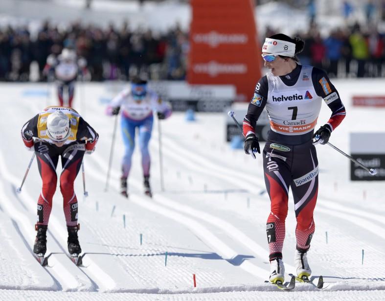 Chez les femmes, Marit Bjoergen s'est imposée au 10 km classique, se permettant même de jeter un coup d'oeil derrière pendant le sprint final. (Le Soleil, Yan Doublet)