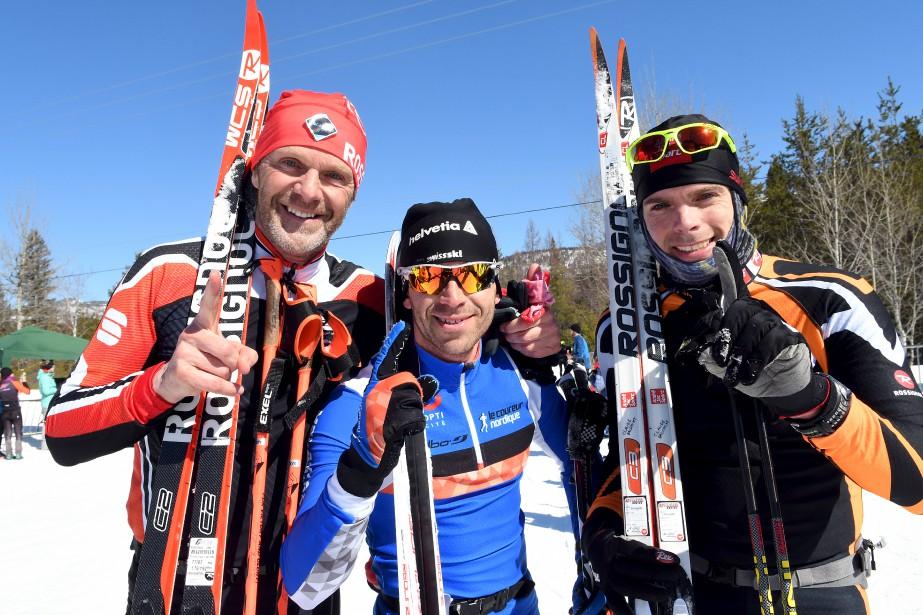 Pierre Lavoie et Claude Dalcourt entourent le gagnant du 45km style libre, Vincent Ruel. Lavoie et Dalcourt ont terminé à égalité au 45km classique. | 18 mars 2017