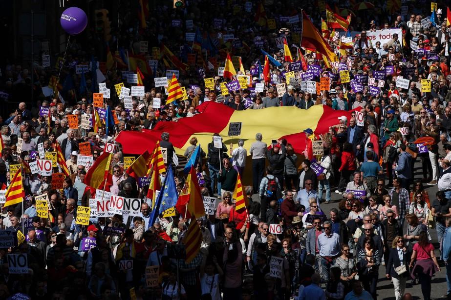 Selon la mairie, quelque 6500 personnes ont participé... (Photo Pau Barrena, Agence France-Presse)