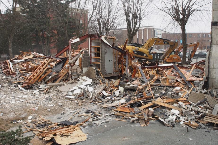 Le presbytère de l'église Notre-Dame à Granby a été démoli... | 2017-03-20 00:00:00.000
