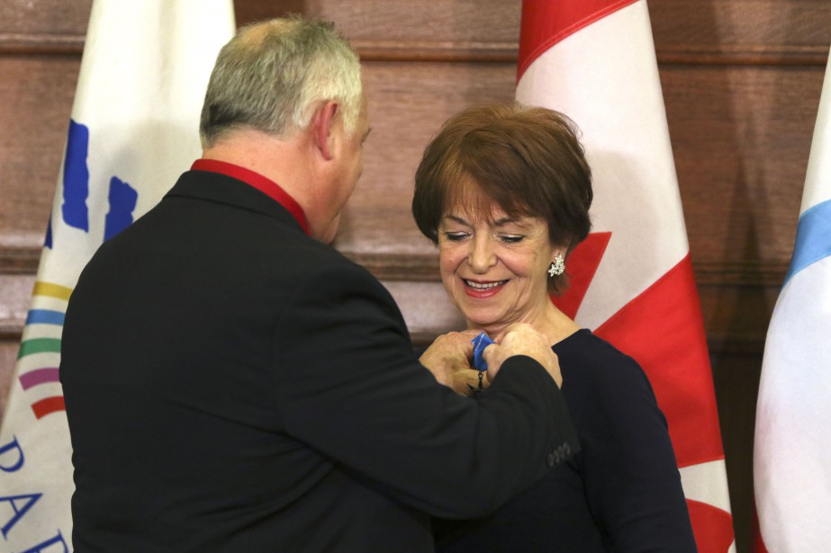 Ginette Gratton reçoit l'Ordre de la Pléiade. | 20 mars 2017