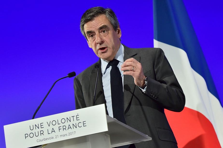 Le candidat de la droite à la présidentielle... (Photo Christophe Archambault, AFP)