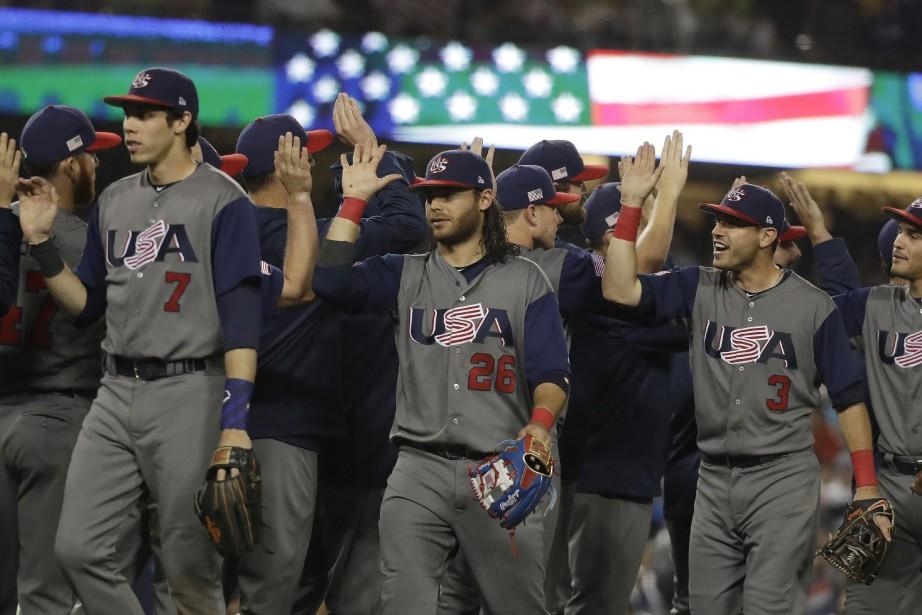 Les États-Unis ont remporté une victoire de 2-1... (Photo Chris Carlson, AP)