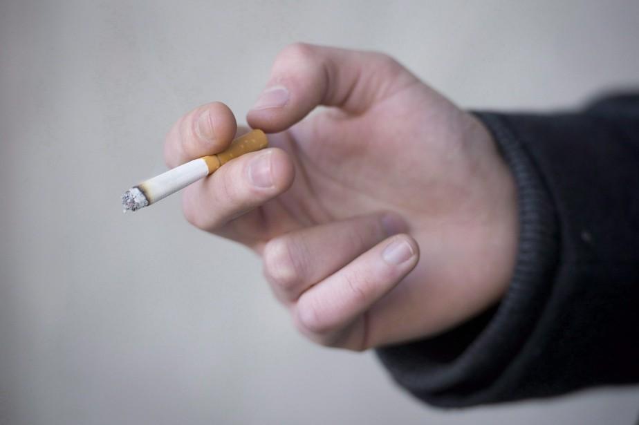 Le tabagisme semble... (Photo Jonathan Hayward, archives La Presse canadienne)