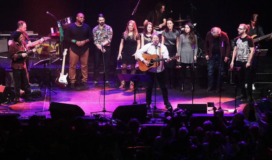 Robert Paquette a interprété une chanson durant un medley hommage à Paul Demers.   22 mars 2017