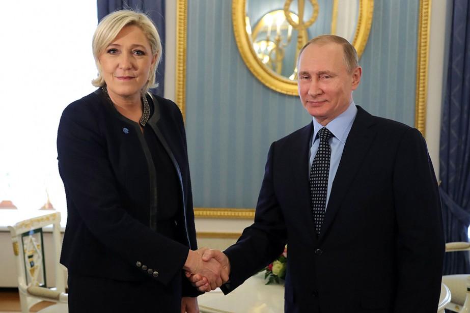 La présidente du Front National Marine Le Pen... (Photo Mikhail KLIMENTYEV, AFP/Mikhail KLIMENTYEV)