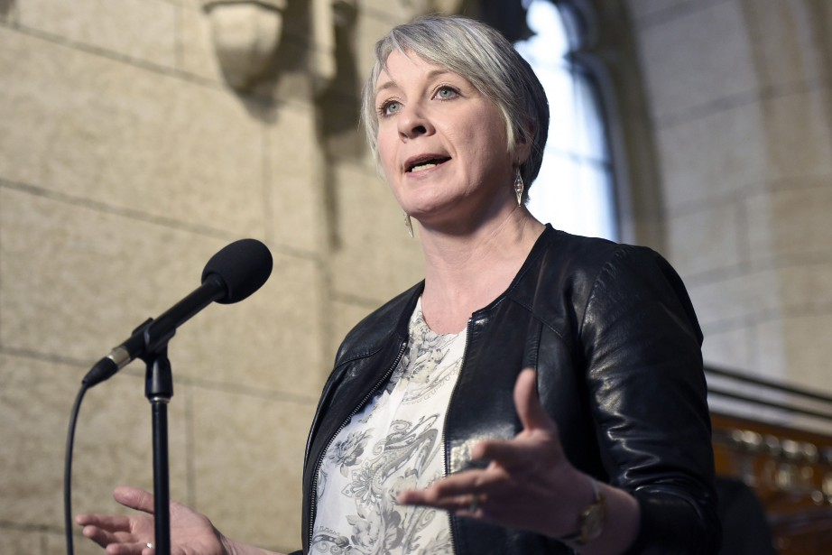 La ministre fédérale du Travail, Patty Hajdu... (Photo Justin Tang, La Presse canadienne)