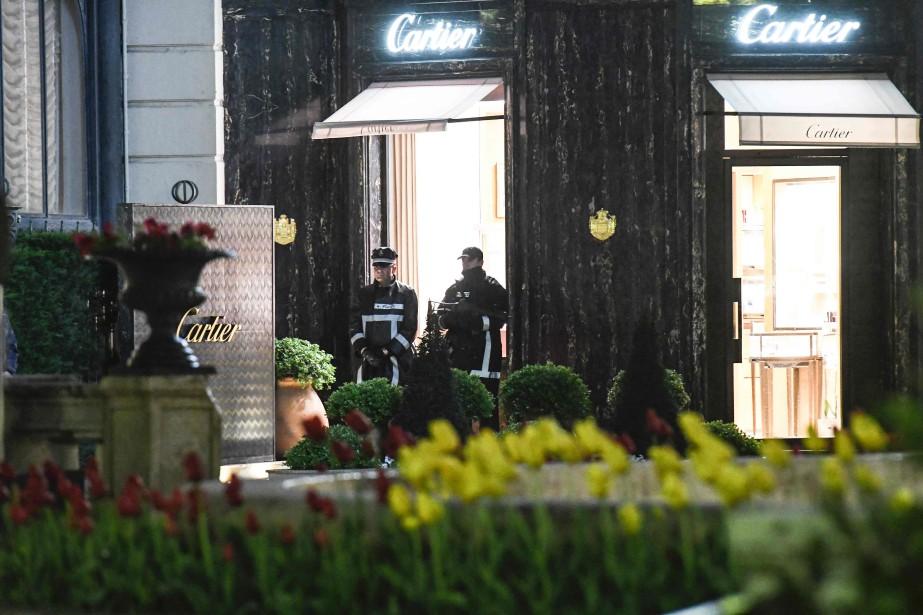Un homme avait été interpellé samedi après-midi peu... (Photo Yann Coatsaliou, Agence France-Presse)