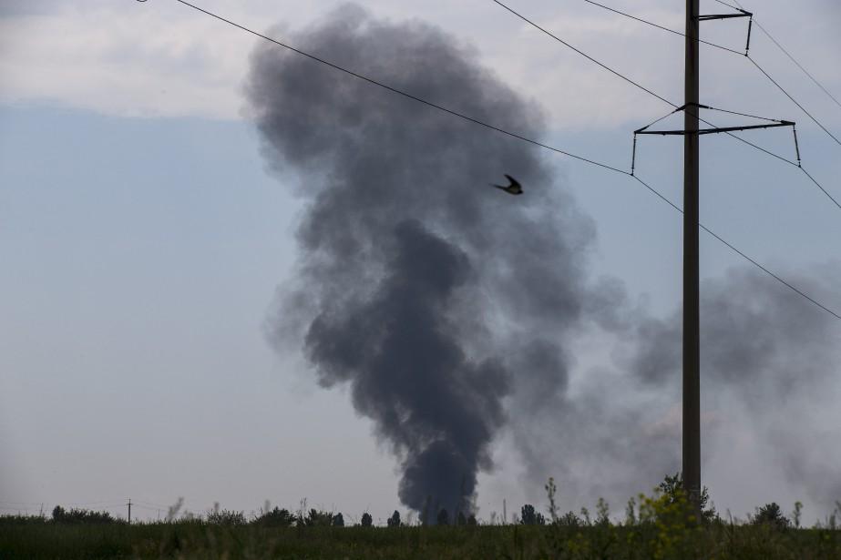 Cinq personnes sont mortes dans l'écrasement: trois membres... (Photo archives AP)