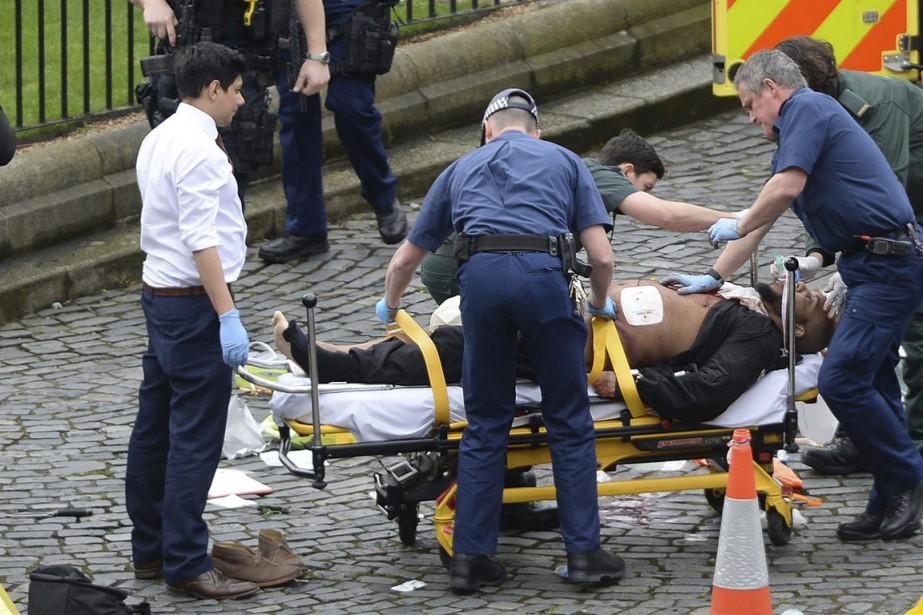 Khalid Masood a utilisé une voiture et des... (Photo Stefan Rousseau, archives AP/PA)
