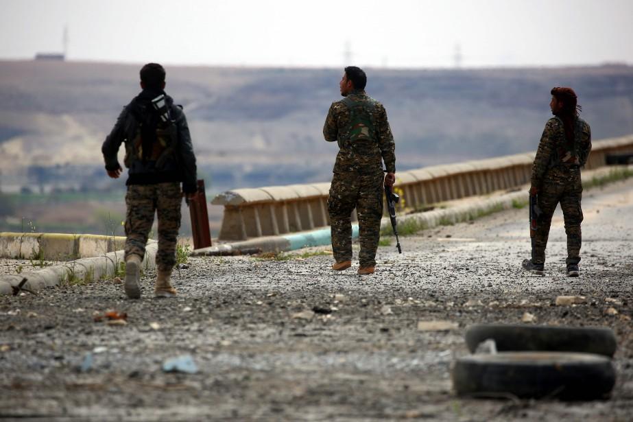 L'EI cherche à freiner l'avancée des Forces démocratiques... (AFP)