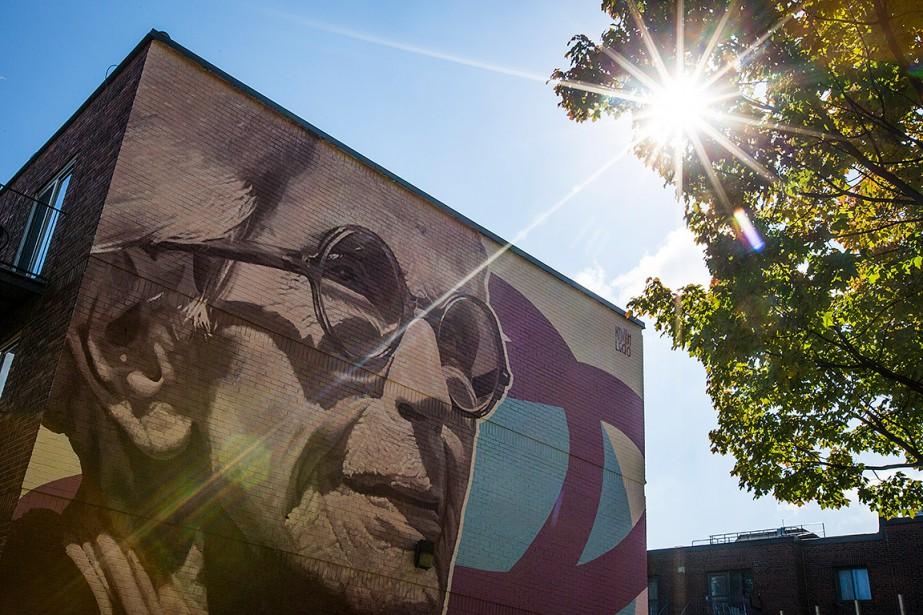 Murale de l'artiste Kevin Ledo à l'effigie de Janine Sutto, dévoilée l'an dernier. (Olivier Jean, archives La Presse)