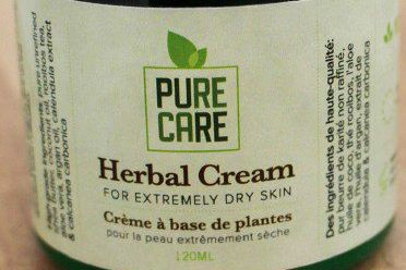 Sur sa page Facebook, l'entreprise PureCare Herbal Cream... (PHOTO FOURNIE PAR SANTÉ CANADA)