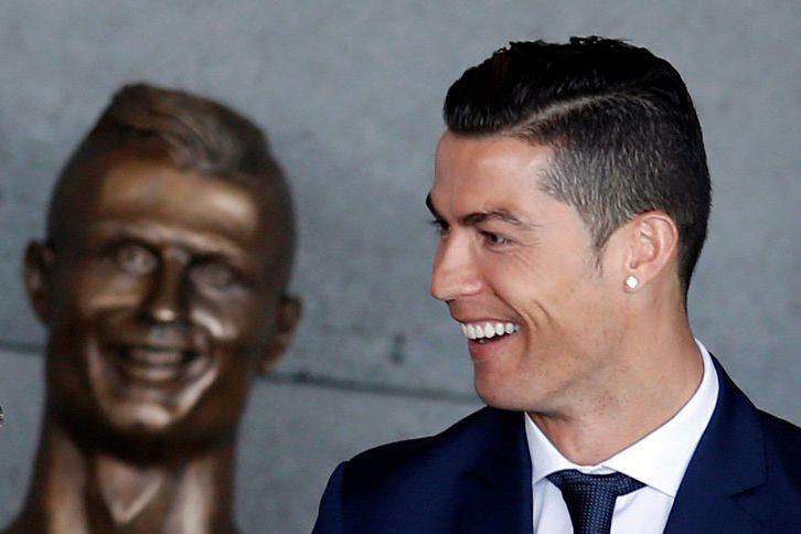 Cristiano Ronaldo ainauguré un buste peu flatteur à... (REUTERS)
