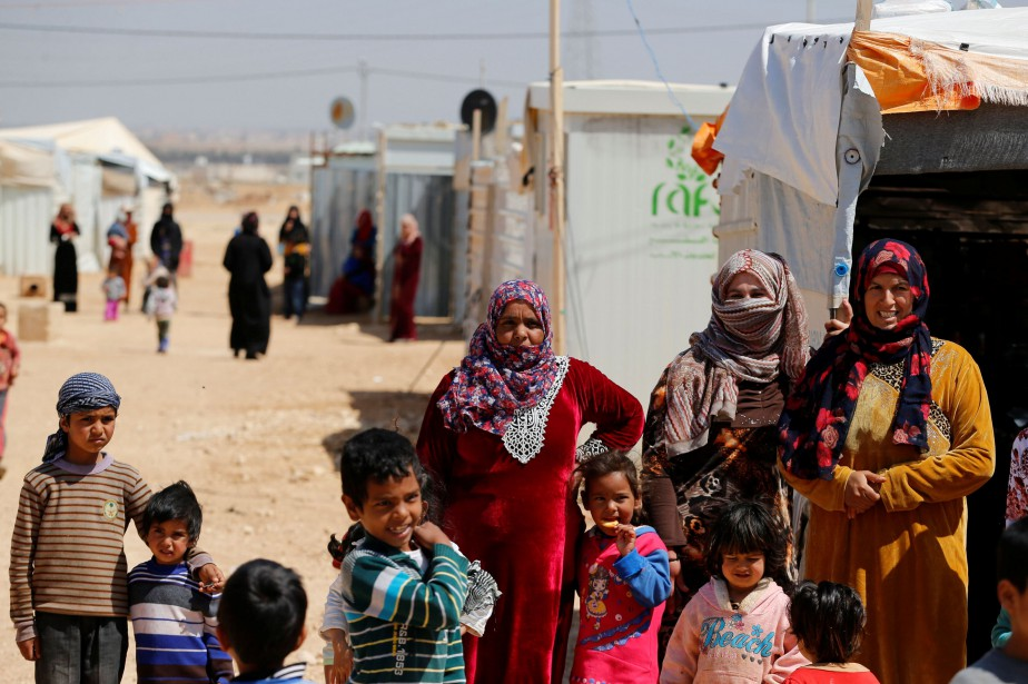 Des Syriens dans le camp de réfugiés de... (PHOTO Ammar Awad, archives REUTERS)