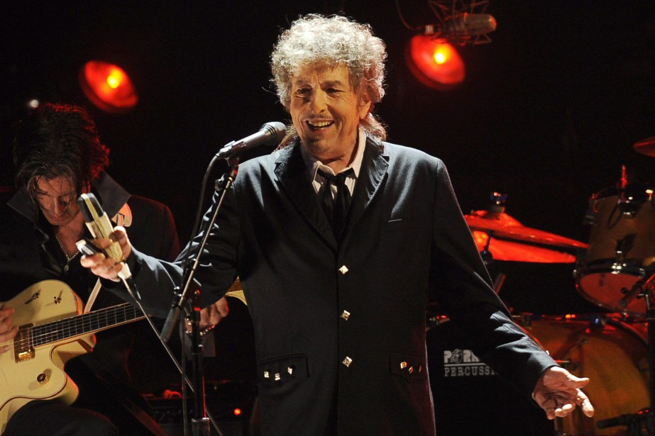 Bob Dylan performs in Los Angeles. The Swedish... (Photo Chris Pizzello, archives AP)