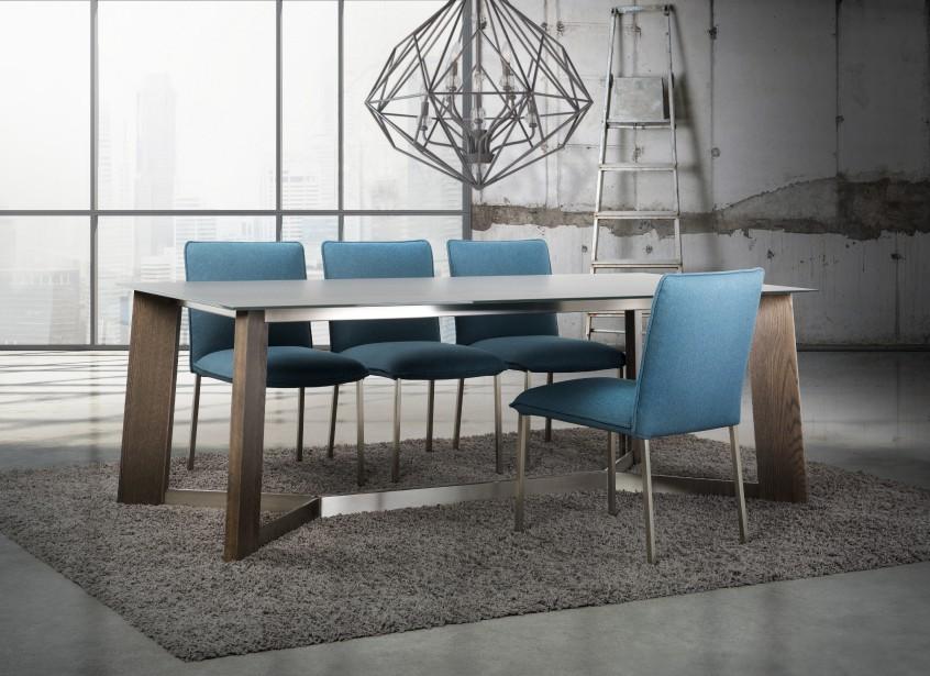 Un autre Coup de coeur du designer Jean-Claude Poitras: l'originalité de Trica.<br />Table Unity et chaises Viva (AFMQ)