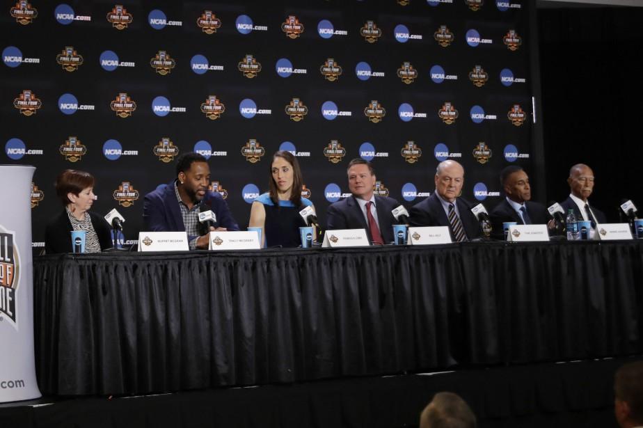 Muffet McGraw, Tracy McGrady, Rebecca Lobo, Bill Self,... (photo David J. Phillip, AP)