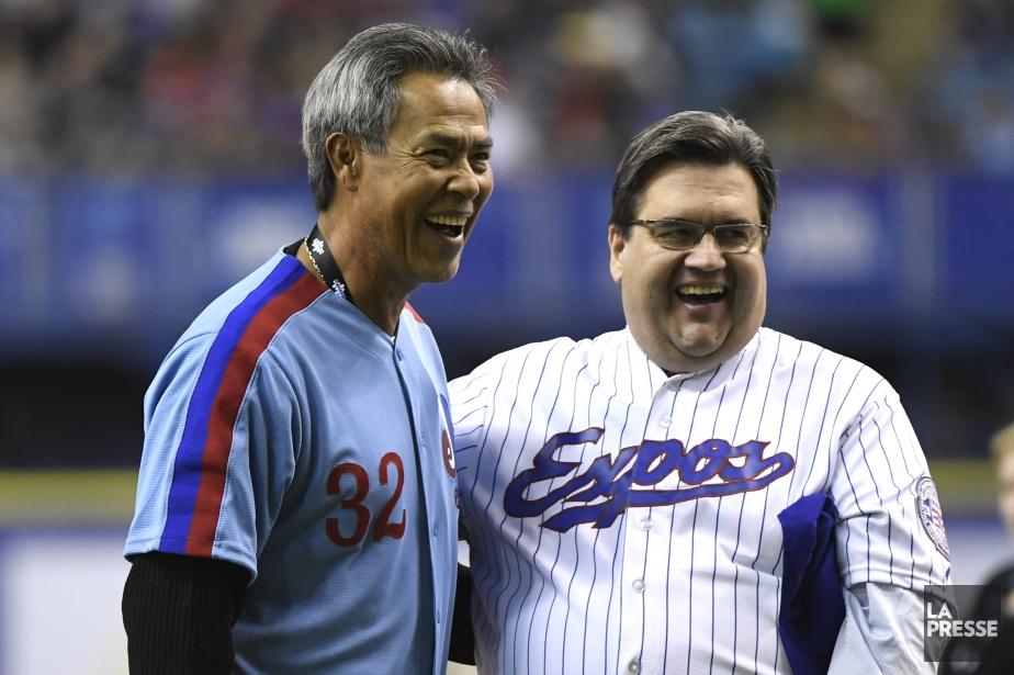 Le maire Denis Coderre, ici avec Dennis Martinez,... (PHOTO BERNARD BRAULT, LA PRESSE)