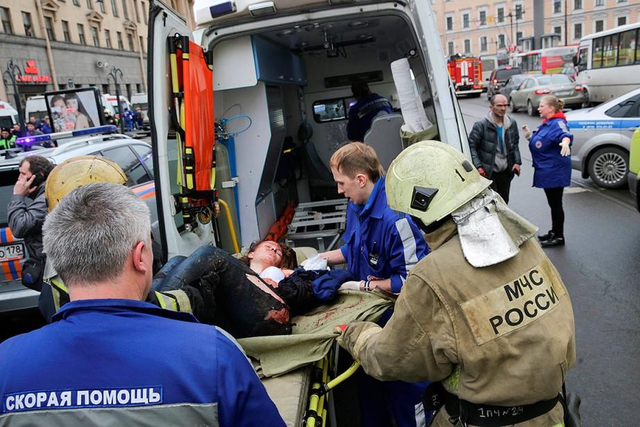 L'explosion dans le métro de Saint-Pétersbourg a fait...