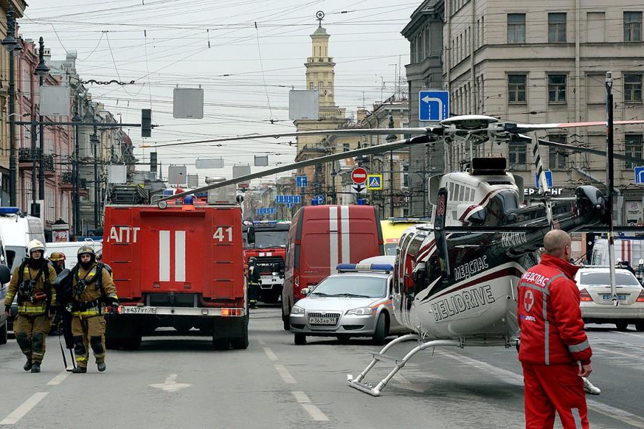Les secours déployés près de la station de métro Tekhnologichesky Institut. (OLGA MALTSEVA, AFP)