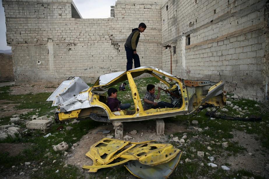 Dans la ville de Douma, 22 civils ont... (Photo Bassam Khabieh, REUTERS)