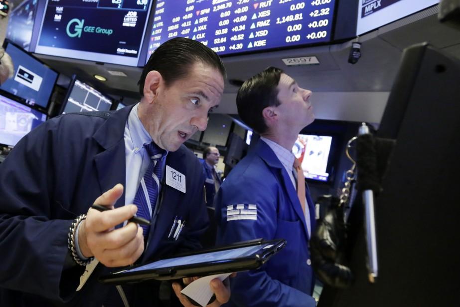La banque centrale américaine a publié en cours... (AP)