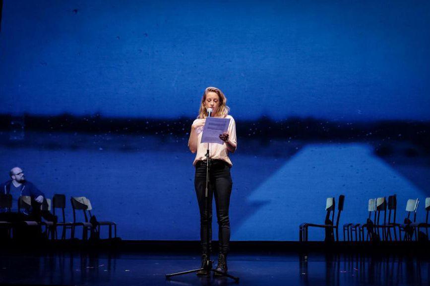 Christine Beaulieu dansJ'aime Hydro.... (photo Pierre Antoine Lafon Simard, fournie par la production)