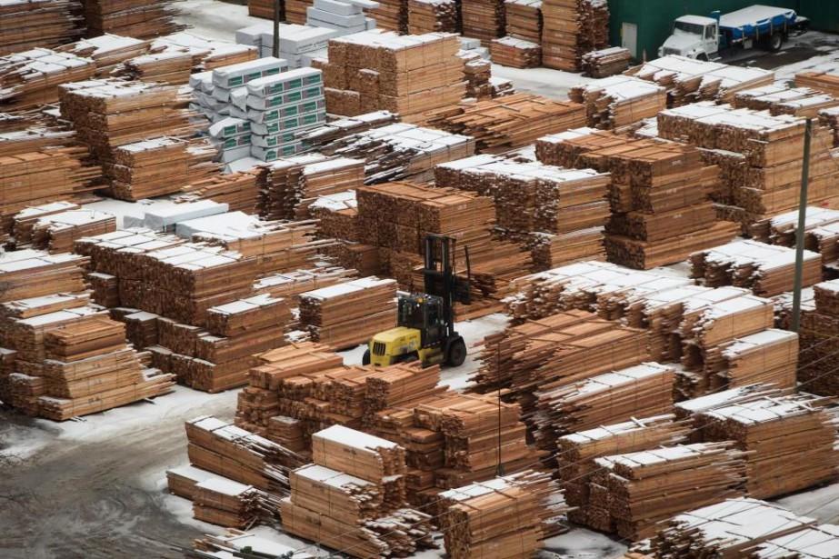 Le conflit sur le commerce du bois d'oeuvre... (photoDarryl Dyck, archives la presse canadienne)